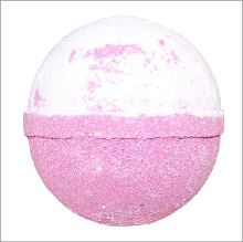 strawberry pavlova bath bomb £3